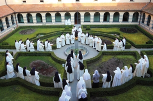 Vitorchiano nuns in garden